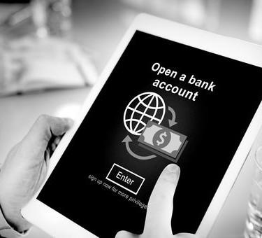 Валютным резидентам РФ придется отчитываться по зарубежным брокерским счетам