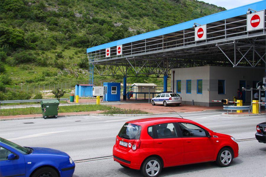 Таможня на границе Черногории