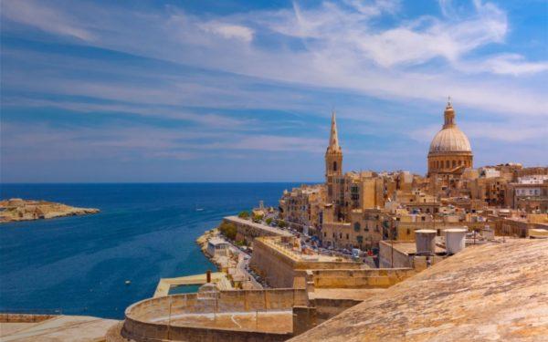 Экзотические страны привлекают ни сколько вторым паспортом, сколько своим отличием от Европы