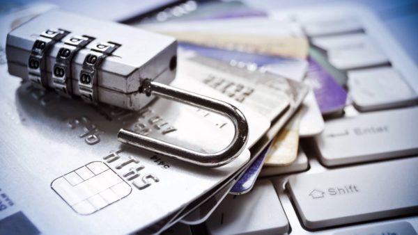 Получение страховки на банковскую карту