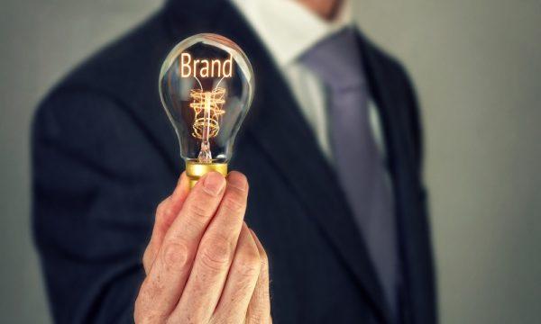 Управление брендом и зависимость стоимости акций