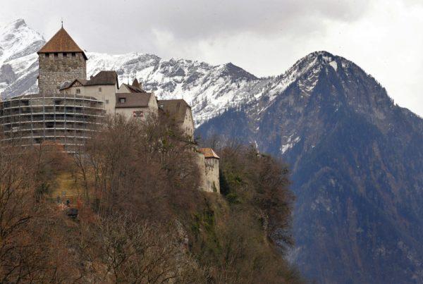 Легализация статуса в Лихтенштейне
