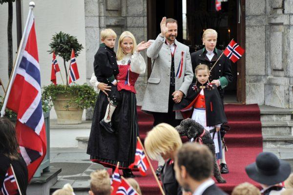 Получение подданства Норвегии на основании родственных связей с ее гражданами