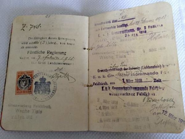 Старый паспорт Лихтенштейна