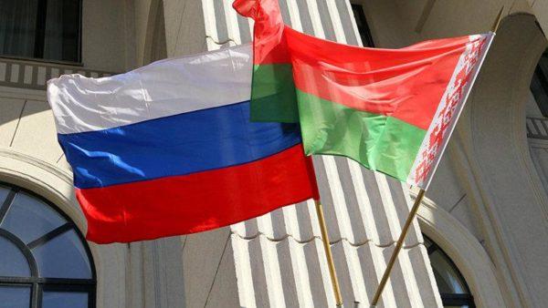 Белорусам, как и жителям других странам-выходцев из Союза, российское гражданство получить значительно проще остальных