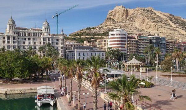 Испания популярна среди российских инвесторов, желающих приобрести недвижимость